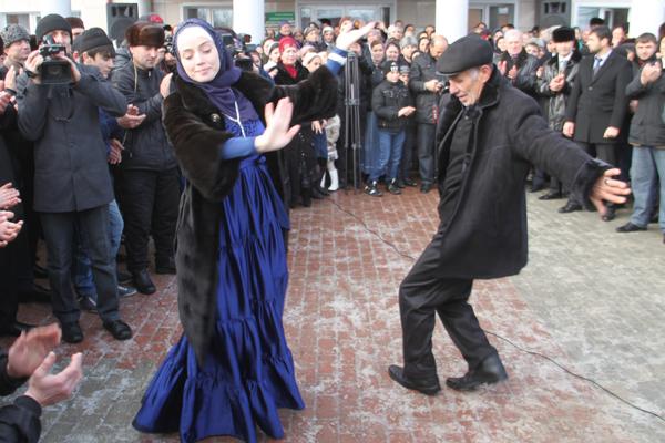 Фото кавказских семейных пар фото 337-0